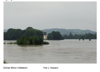 Die überflutete Mühle in Gohlis, gegenüber von Pieschen. Juni 2013, Foto: L. Heubaum.